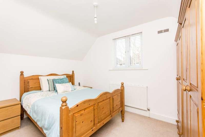 2 Bedrooms Cottage House for rent in Friern Barnet Lane, Whetstone, N20
