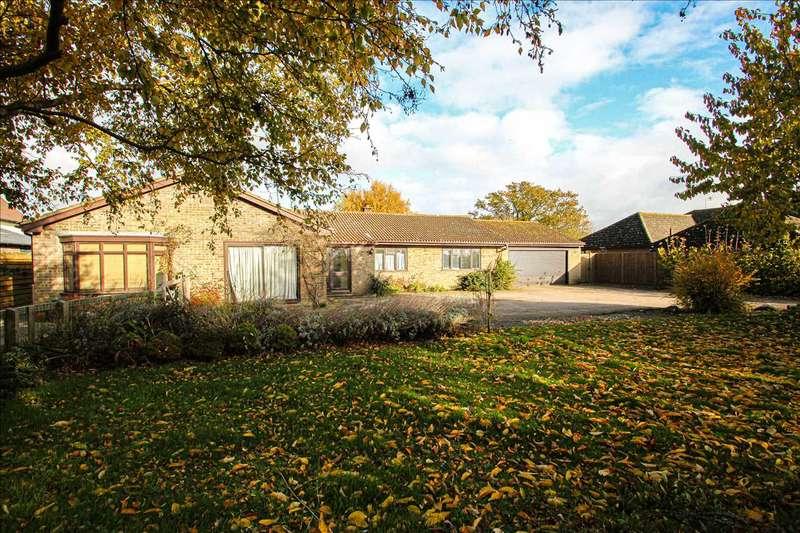 5 Bedrooms Bungalow for sale in Little Oaks, Betts Green Road, Little Clacton