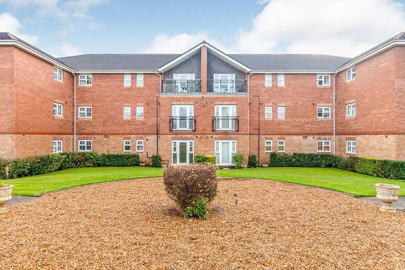 2 Bedrooms Apartment Flat for sale in The Rowans, Hampton Court Way, Widnes, Cheshire, WA8