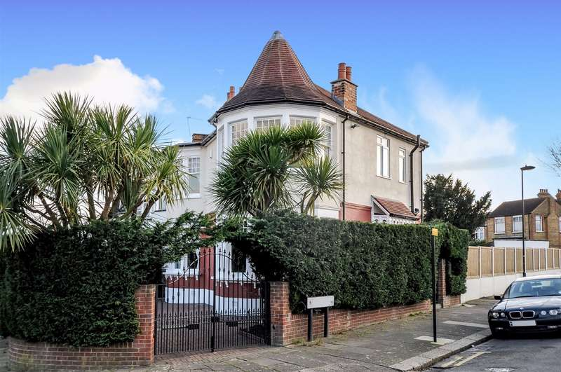 4 Bedrooms End Of Terrace House for sale in Lodge Drive, Palmers Green, London, N13