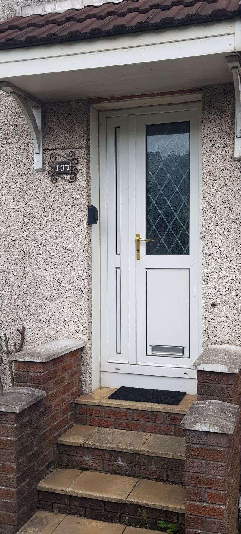 2 Bedrooms Property for sale in Whifflet Street, Coatbridge