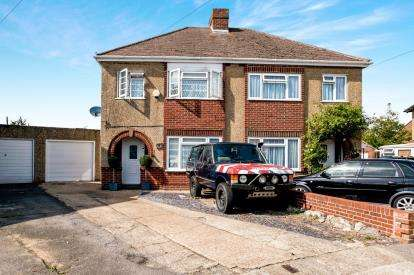 3 Bedrooms Semi Detached House for sale in Alverstoke, Gosport, Hampshire