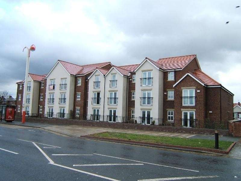 2 Bedrooms Flat for sale in Bay Court, South Bents