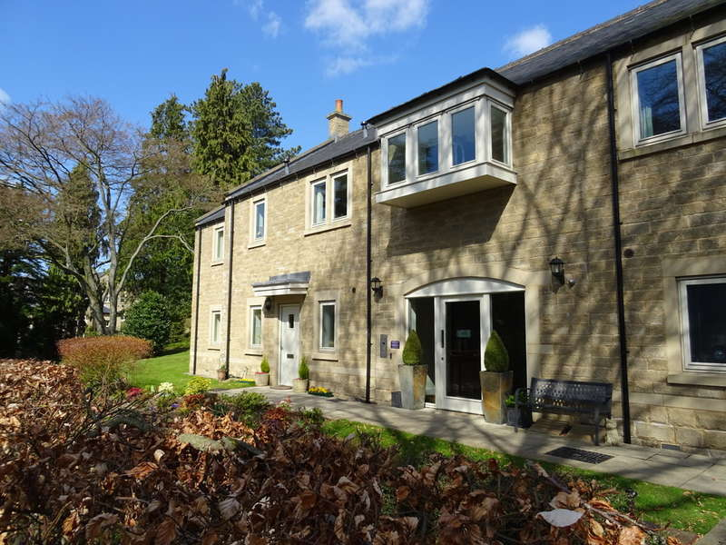 2 Bedrooms Property for sale in 5, Crompton Close, St Elphins Close, Darley Dale, Matlock