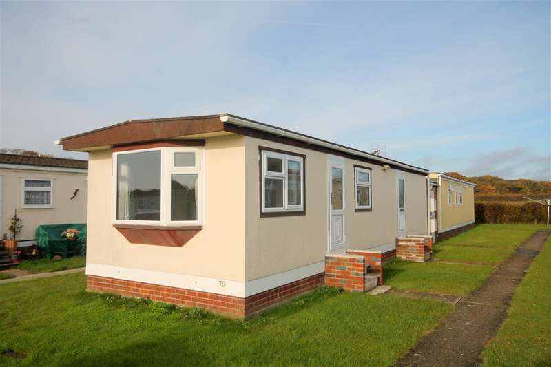 1 Bedroom Park Home Mobile Home for sale in Meadowview Park, St Osyth Road, Little Clacton