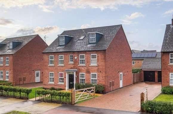 5 Bedrooms Property for sale in Macbeth Approach, Warwick