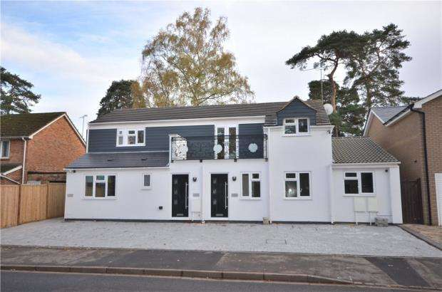 3 Bedrooms Maisonette Flat for sale in Harmans Water Road, Bracknell, Berkshire