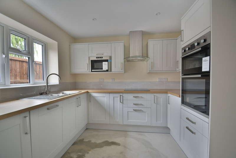 3 Bedrooms Detached Bungalow for sale in Briar Road, Harleston