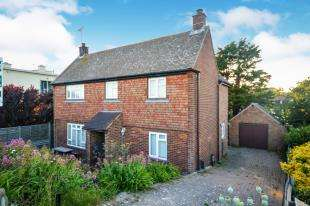 4 Bedrooms Detached House for sale in Seawall, Dymchurch, Romney Marsh, Kent