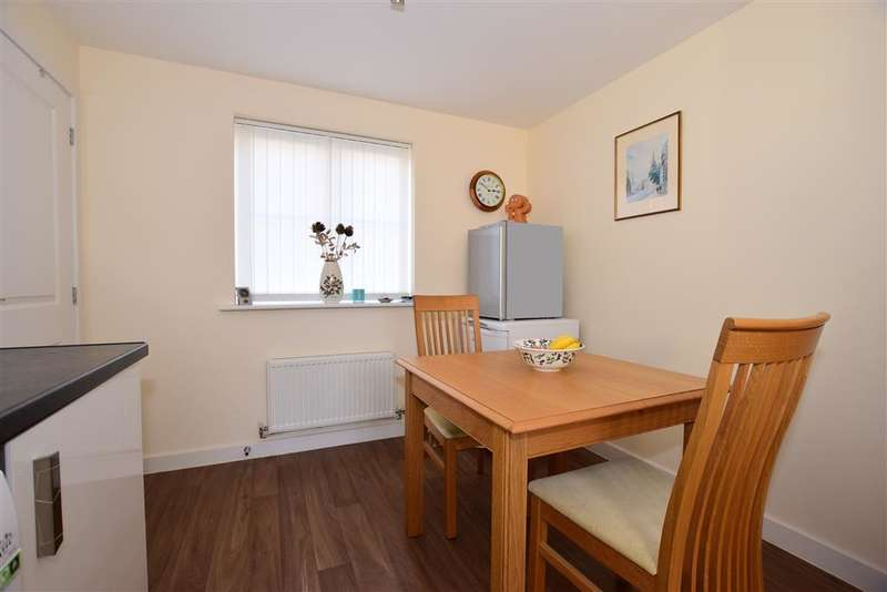 3 Bedrooms Terraced House for sale in Captains Parade, , East Cowes, Isle of Wight