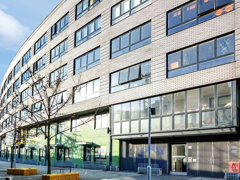 3 Bedrooms Flat for sale in Mint Street, Bethnal Green E2