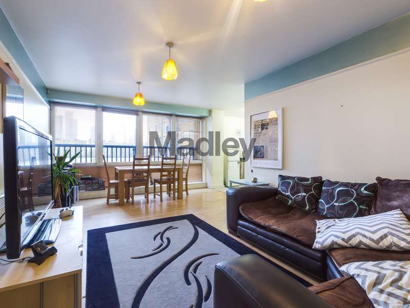 2 Bedrooms Property for sale in The chance to secure an idyllic two bed riverside apartment located within picturesque and tranquil setting that is SE16!