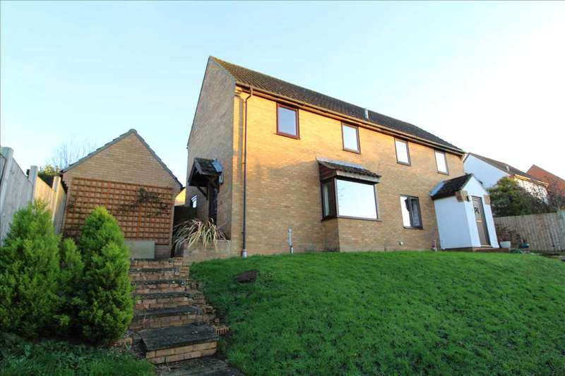 2 Bedrooms Semi Detached House for sale in Cotman Avenue, Lawford, Manningtree, Manningtree