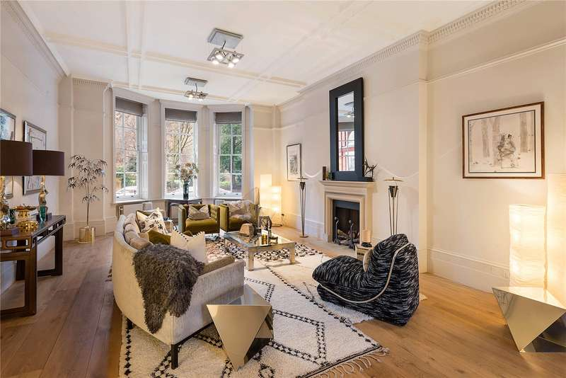 3 Bedrooms Flat for sale in Cadogan Square, London, SW1X
