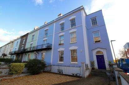 2 Bedrooms Flat for sale in Cooperage Lane, Southville, Bristol