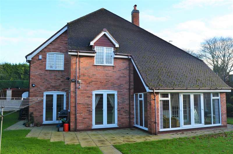 4 Bedrooms Detached House for sale in Himley Road, Gornal Wood, DY3 2TF