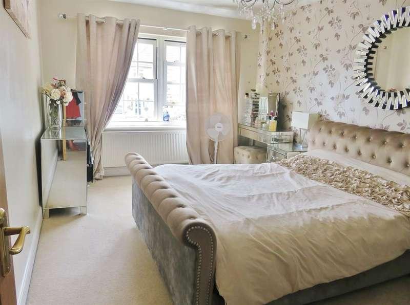 4 Bedrooms Semi Detached House for sale in Lyndhurst Road, Bexleyheath, Kent, DA7 6DG