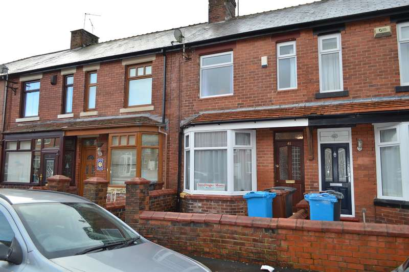 2 Bedrooms Town House for sale in Corona Avenue, Hollins, Oldham, OL8 4JA