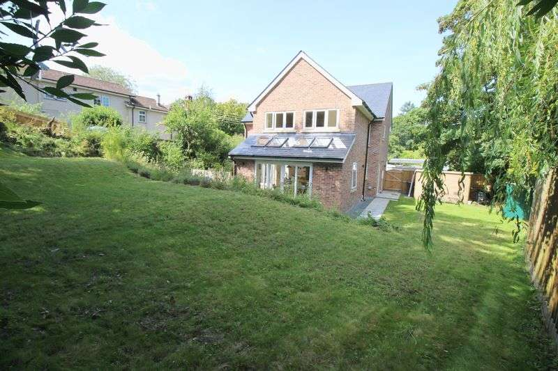 4 Bedrooms Detached House for sale in West Hill, Woodland Village