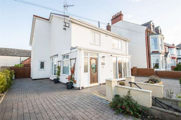 3 Bedrooms Detached House for sale in Staithes Lane, Staithes, Saltburn-by-the-Sea, North Yorkshire