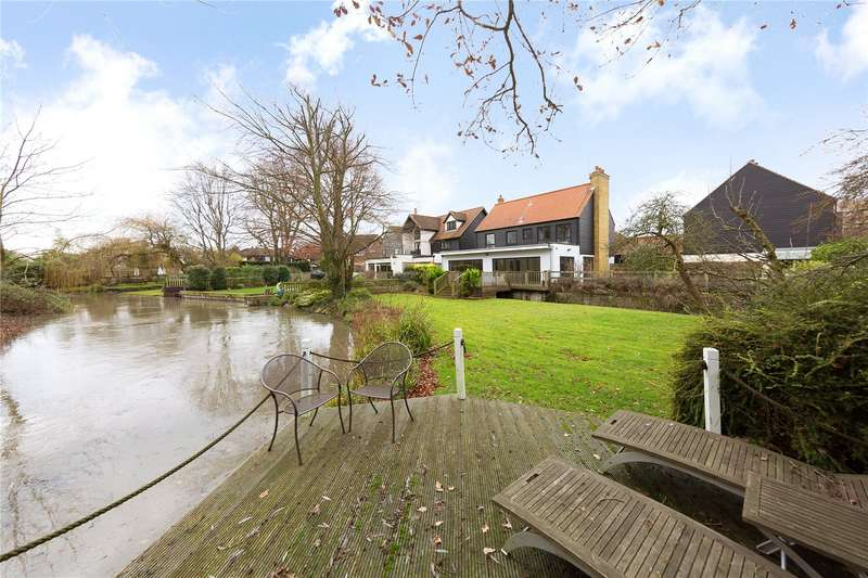 4 Bedrooms Detached House for sale in Dunmow Road, Fyfield, Ongar, Essex, CM5