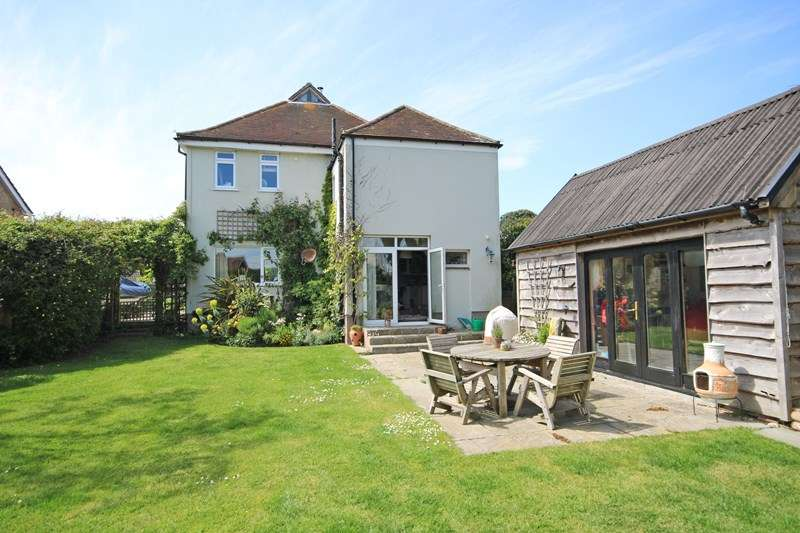 5 Bedrooms Detached House for sale in Barton Court Avenue, Barton On Sea, New Milton, Hampshire, BH25