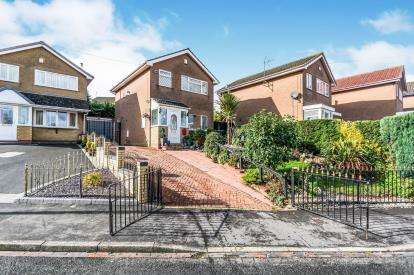 3 Bedrooms Detached House for sale in Buckingham Road, Rowley Regis, Birmingham, West Midlands