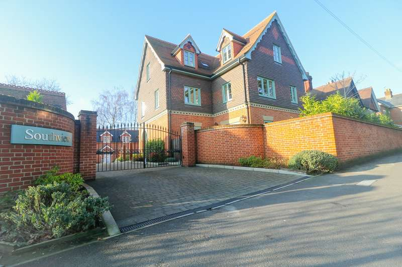 2 Bedrooms Apartment Flat for sale in Gosport Lane, Lyndhurst, SO43