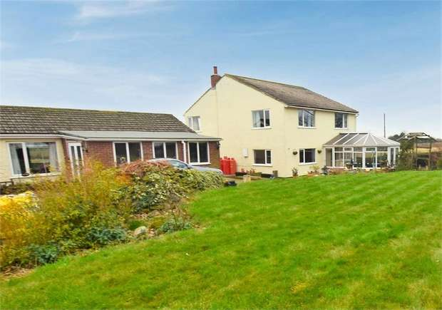 6 Bedrooms Detached House for sale in Hill House, Mumby, Alford, Lincolnshire