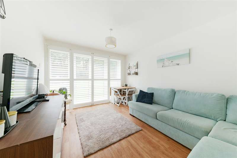 1 Bedroom Apartment Flat for sale in Keevil Drive, Southfields