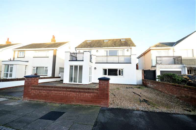 4 Bedrooms Detached House for sale in Freemantle Avenue, South Shore, FY4