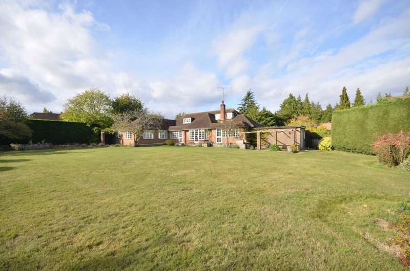 4 Bedrooms Detached House for sale in Abbots Ride, Farnham