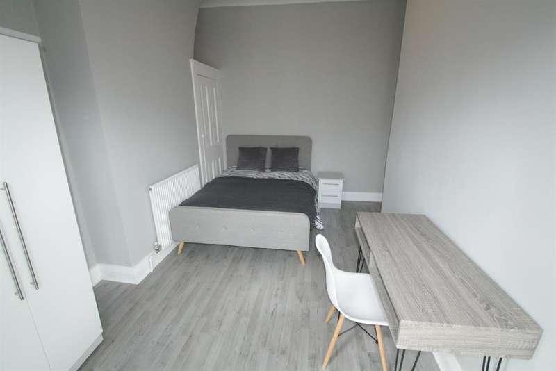 4 Bedrooms Terraced House for rent in Creten Road, Wavertree, Liverpool , L15 0HR