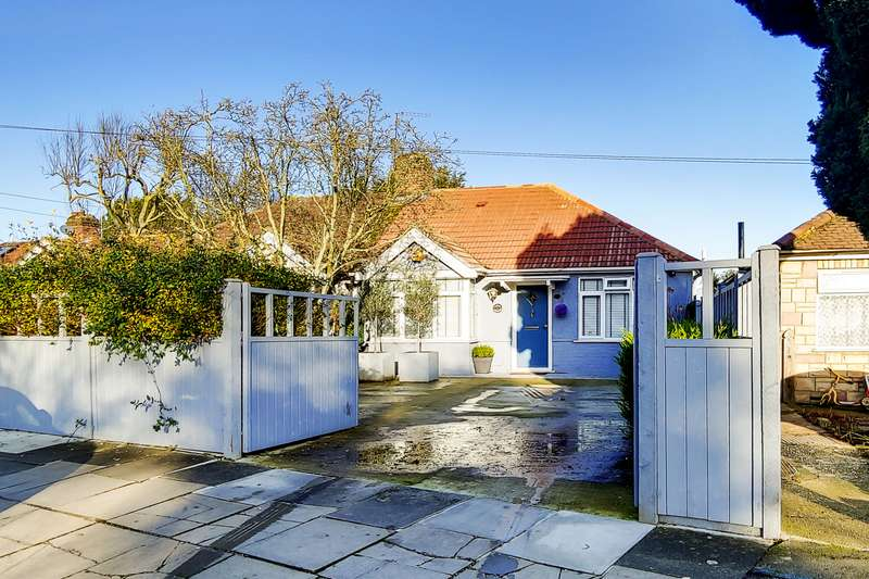 3 Bedrooms Property for sale in Eastcote Lane, Northolt, UB5