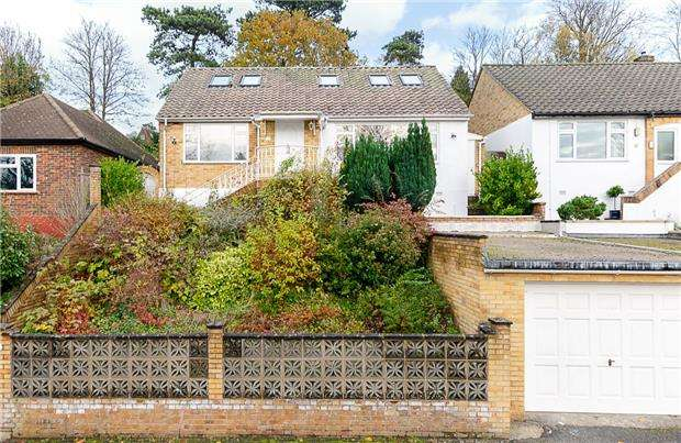 4 Bedrooms Detached House for sale in Cliff End, PURLEY, Surrey, CR8 1BN