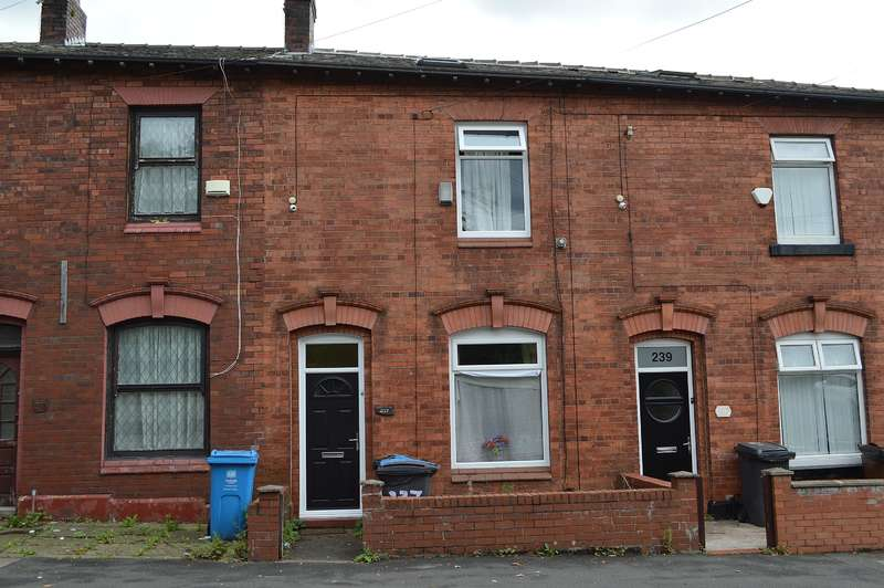 2 Bedrooms Terraced House for sale in Block Lane, Chadderton, Oldham, OL9 7QA