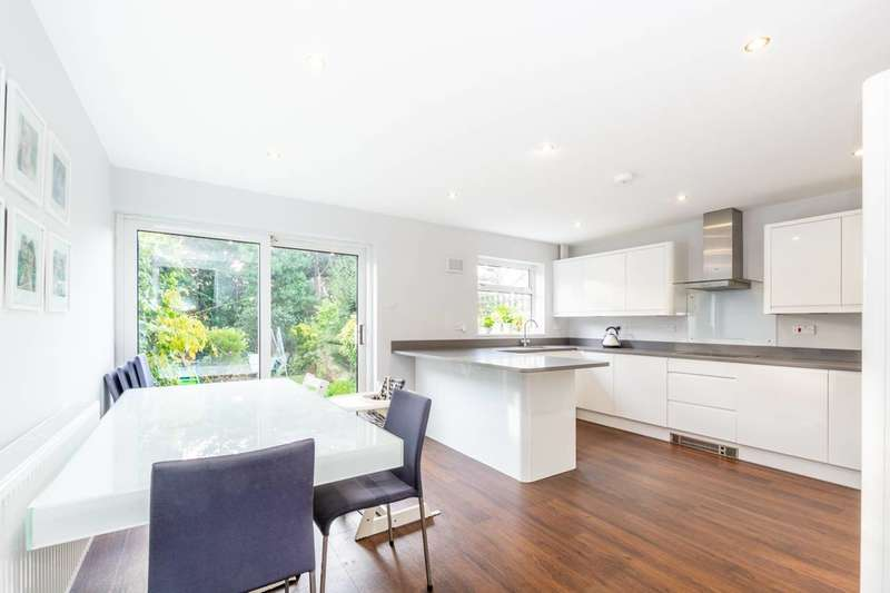 4 Bedrooms House for rent in Hillview, London,, West Wimbledon, SW20