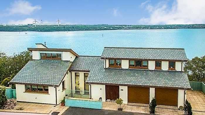 5 Bedrooms Detached House for sale in 8 Ocean Way, Pennar Point