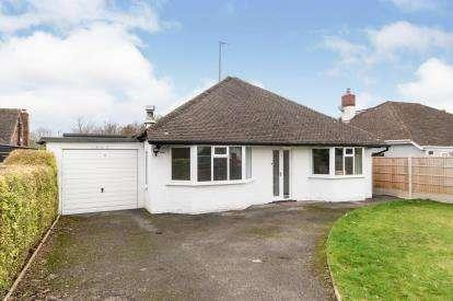 3 Bedrooms Bungalow for sale in Hillcrest Drive, Little Sutton, Ellesmere Port, Cheshire, CH66