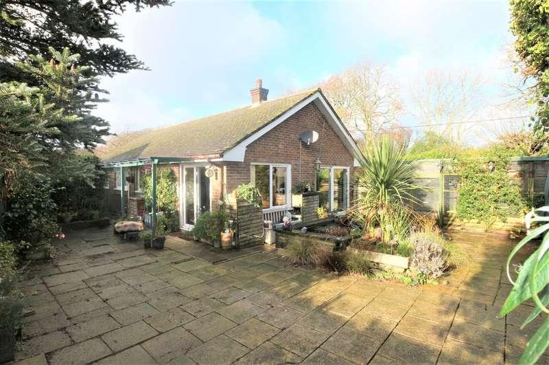 3 Bedrooms Detached Bungalow for sale in Tehidy Gardens, Camborne