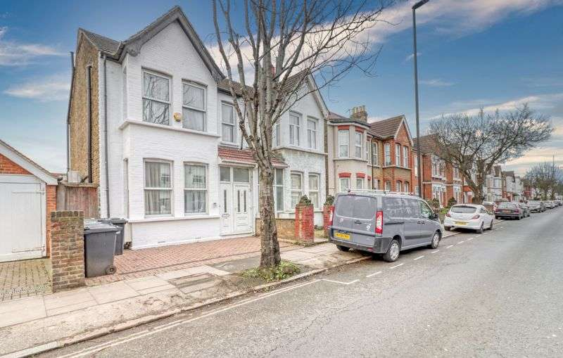 5 Bedrooms Property for sale in Lady Margaret Road, Southall, UB1
