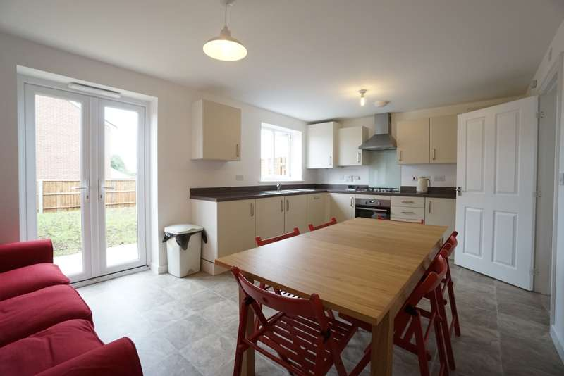 5 Bedrooms House Share for rent in Slade Baker Way, Scholars Chase, Bristol