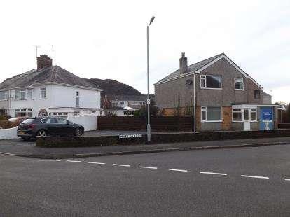 3 Bedrooms Detached House for sale in Maes Gerddi, Porthmadog, Gwynedd, LL49
