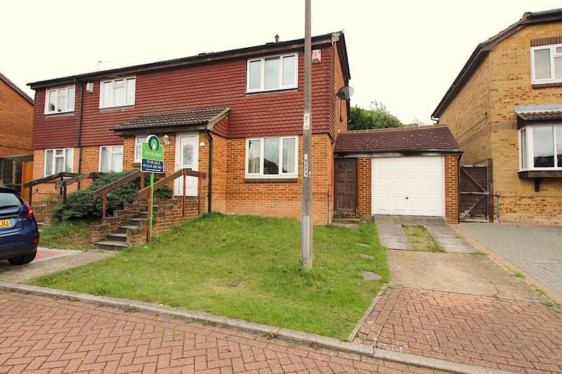 3 Bedrooms Semi Detached House for sale in Woodchurch Close, Chatham, Kent, ME5