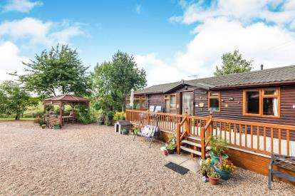 4 Bedrooms Bungalow for sale in Carlton, Saxmundham, Suffolk