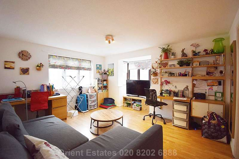 2 Bedrooms Flat for sale in Falcon Way, Colindale
