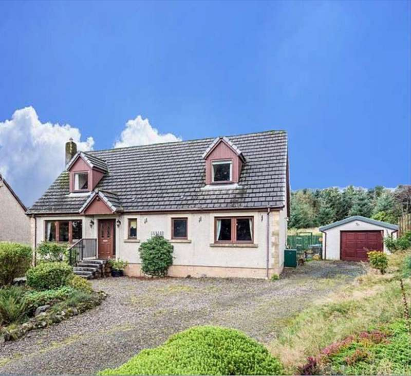 4 Bedrooms Detached House for sale in Naemoor Road, Crook Of Devon, Kinross, KY13