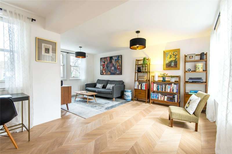 2 Bedrooms Apartment Flat for sale in Clerkenwell Close, London, EC1R