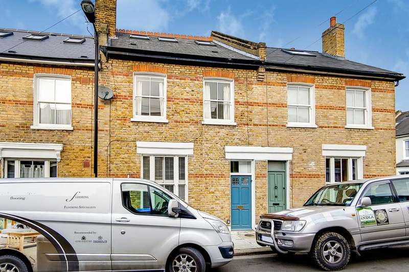 4 Bedrooms Terraced House for rent in Tell Grove, London SE22