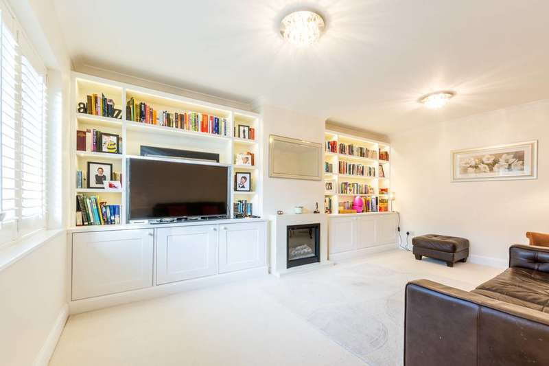 4 Bedrooms House for rent in Lower Downs Road, Raynes Park, SW20